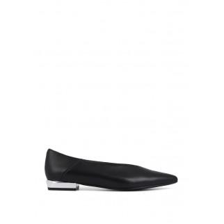 尖頭淺口平底鞋